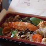 いぶりがっこ入り!「秋田男鹿産鮭の食んべてけれ弁当」ローソン弁当美味しい!