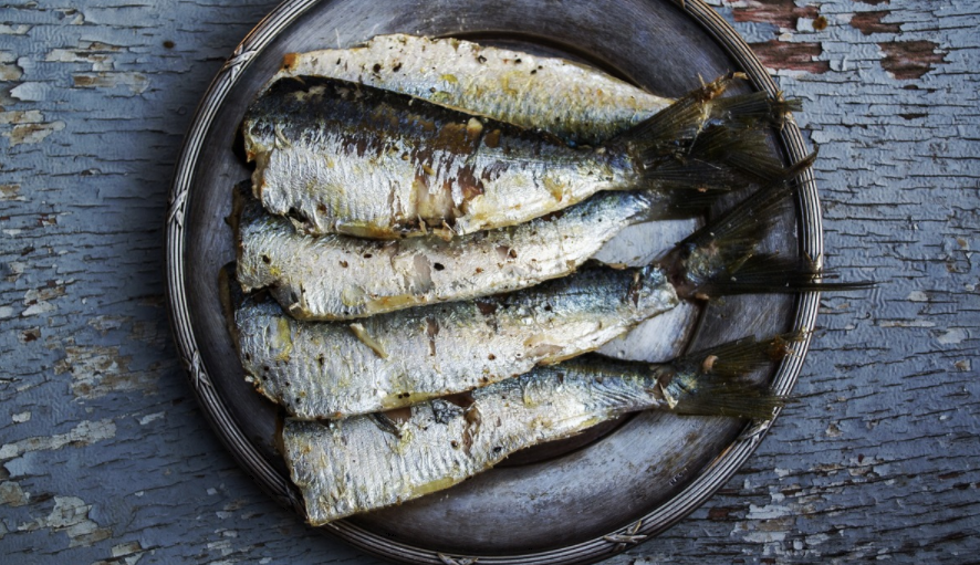 魚の骨が喉に詰まった時の対処法