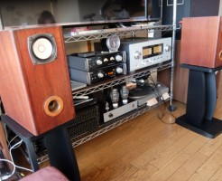 スピーカースタンドの音質効果 ハヤミ工産レビュー