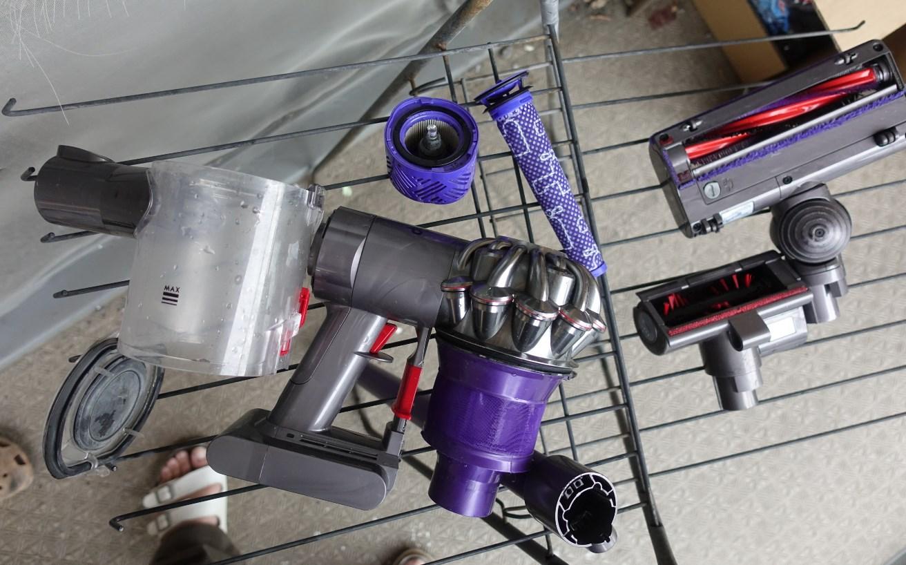ダイソンV6コードレス掃除機を水で丸洗い