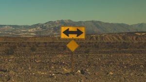 旧知の間柄だからといって「どこへ向かってるんですか」というコメントする残念な人