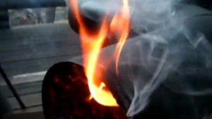 薪ストーブの火事|自作や料理もいいけど暖炉による煙突火災にご注意ください