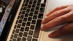 MacBook Proのマルチタッチパッドが便利すぎてマウス1ヶ月使ってない